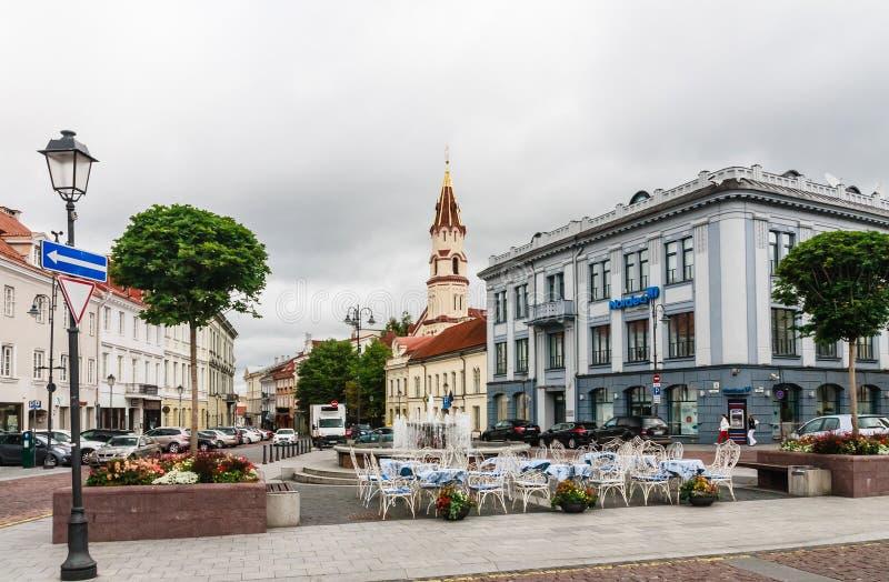 Vue de rue Didzioji et de la ville Hall Square vilnius photos libres de droits
