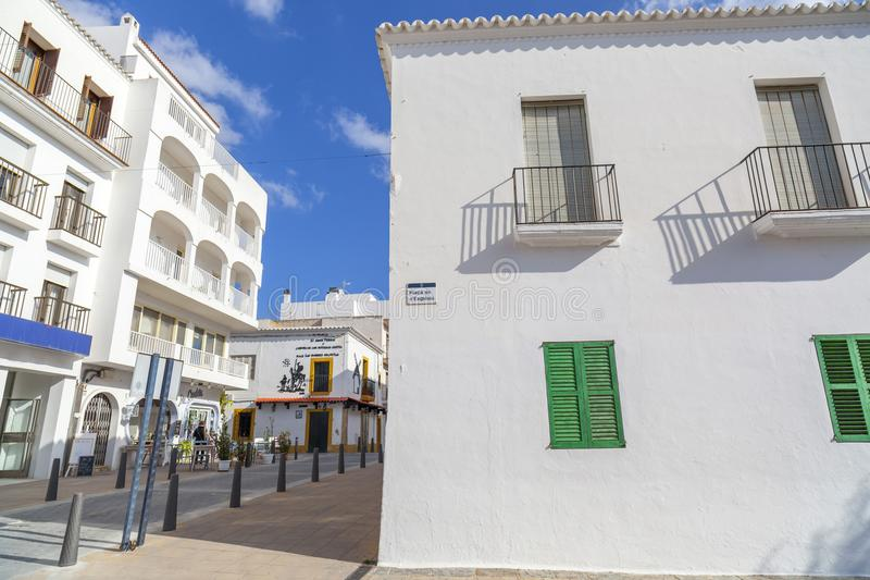 Vue de rue en Sant Antoni, île d'Ibiza, Espagne photographie stock
