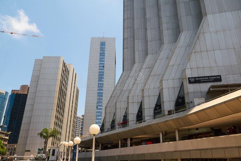 Vue de rue près de téléphone Aviv Diamond Center Building, Israël photo libre de droits