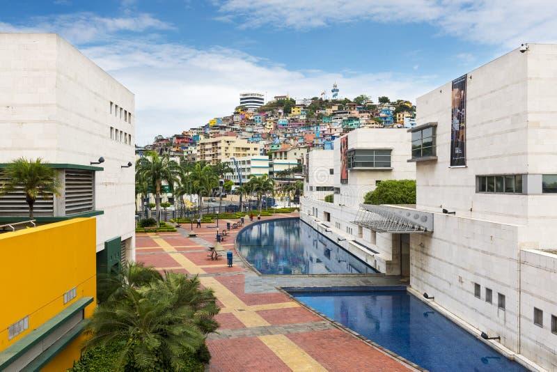 Vue de Santa Ana Hill Cerro Santa Ana du Malecon 2000 dans la ville de Guayaquil en Equateur photographie stock