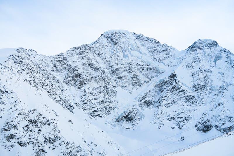 Vue de sept glaciers Région de montagnes caucasienne Cheget, Russie image libre de droits