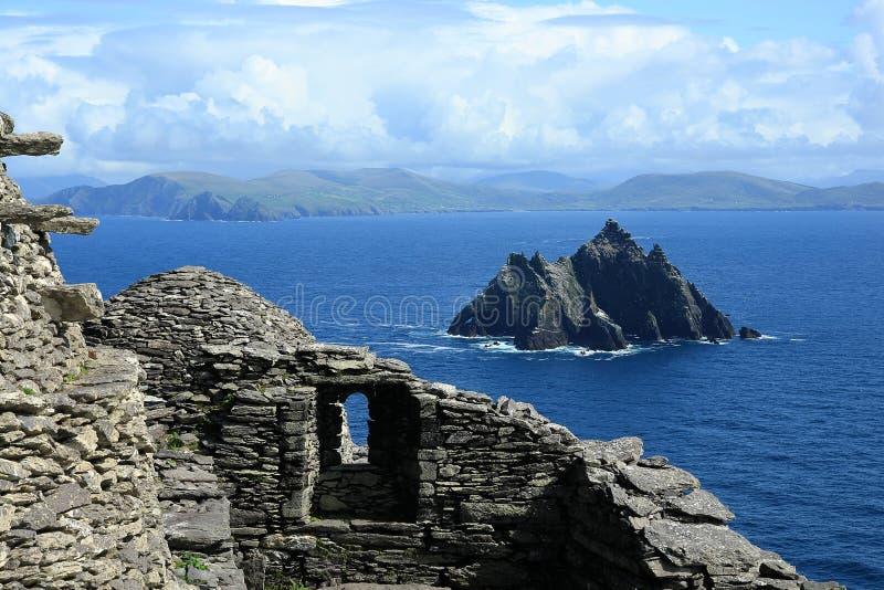 Vue de Skellig Michael sur peu de Skellig, Irlande image stock