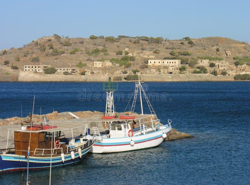 vue de spinalonga de plaka d'elounda de Crète de plage images stock