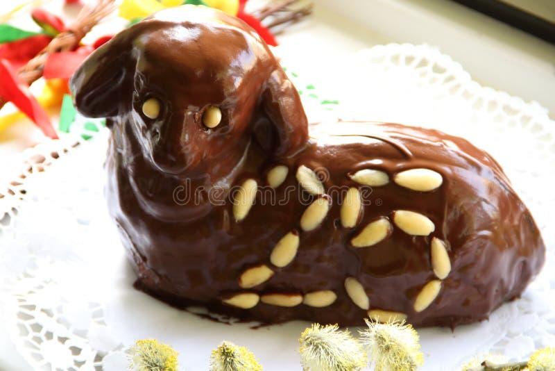 Vue de stimulant de l'agneau 25 de Pâques de chocolat photos libres de droits
