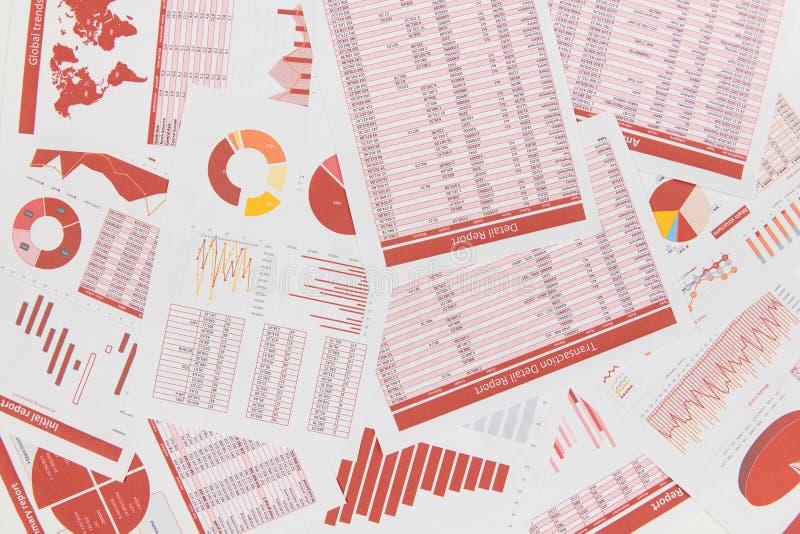 Vue de surface plane d'espace de travail d'affaires avec des rapports concept de comptabilit? financi?re d'entreprise photos libres de droits