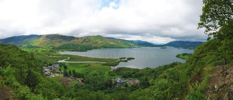 Vue de vue de surprise au-dessus de Derwentwater, le secteur de lac, Cumbria image libre de droits