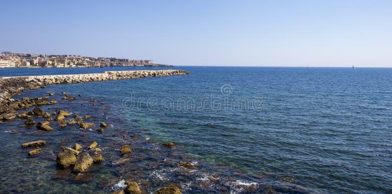 Vue de Syracuse de la mer photos libres de droits