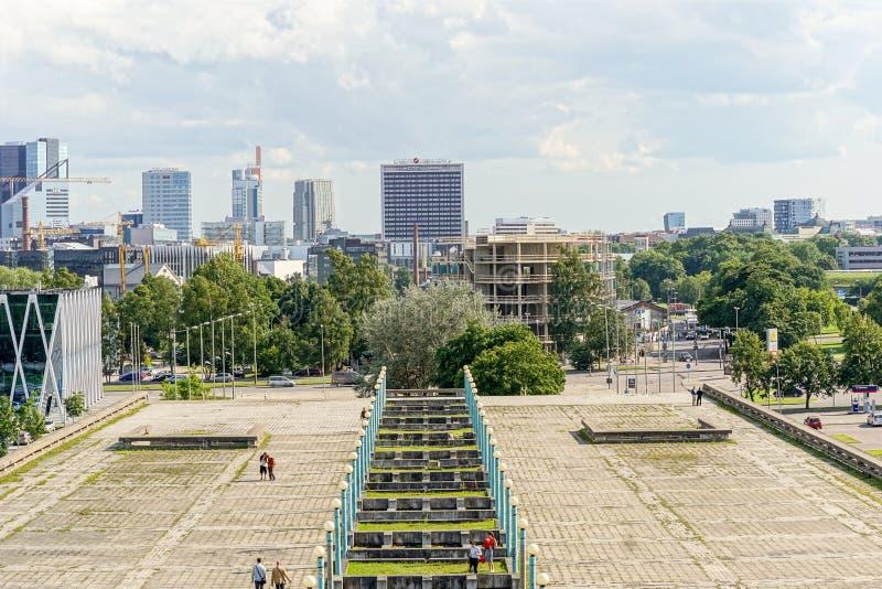 Vue de Tallinn de centre de plaisance olympique de Linnahall, Estonie photographie stock libre de droits