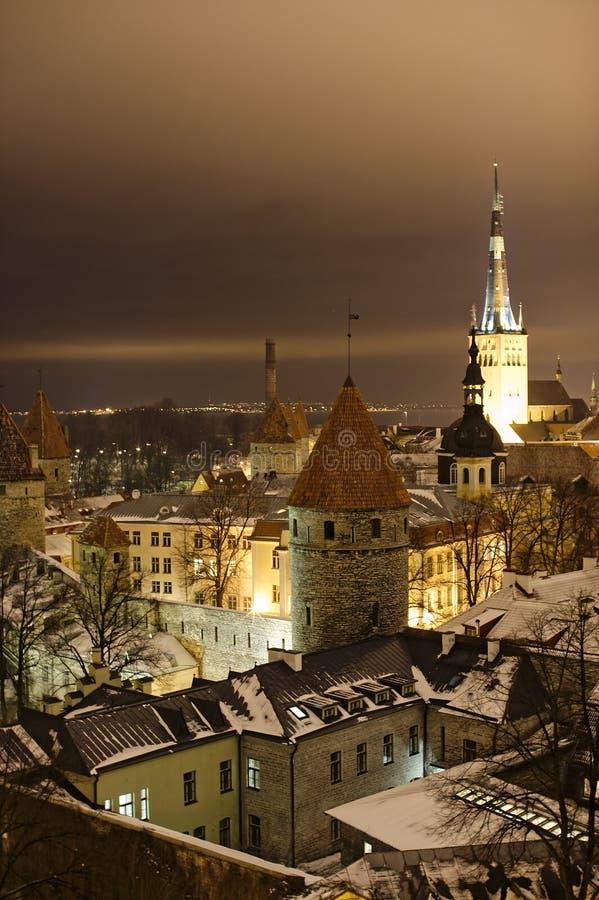vue de Tallinn de nuit photo libre de droits