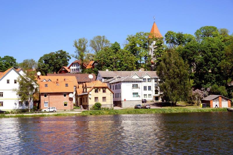 Vue de Talsi, Lettonie au printemps photo stock