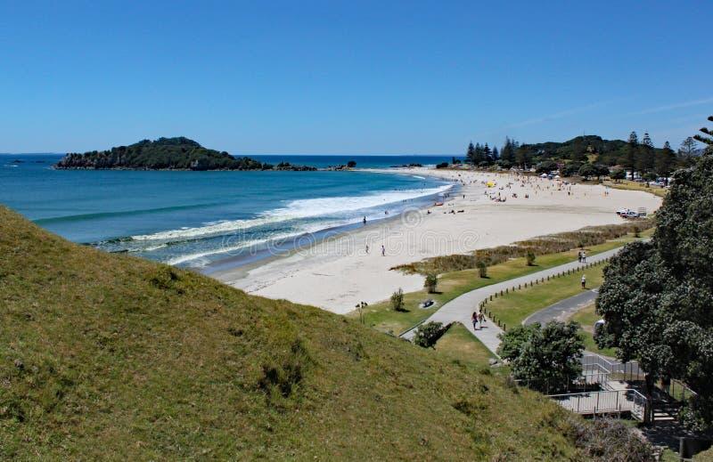Vue de Tauranga de bâti Maunganui au Nouvelle-Zélande photos libres de droits