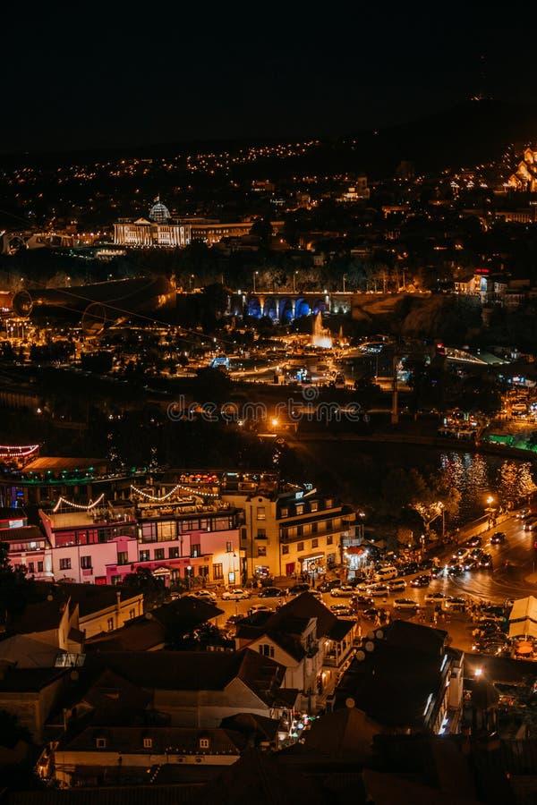 Vue de Tbilisi de nuit image libre de droits