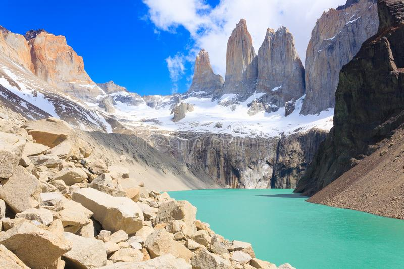 Vue de Torres del Paine, point de vue bas de Las Torres, Chili photos stock