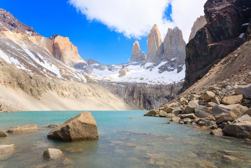Vue de Torres del Paine, point de vue bas de Las Torres, Chili photo stock