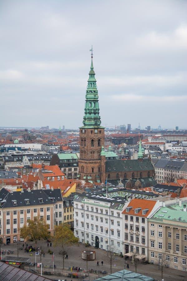 Vue de tour de Christiansborg copenhague denmark photos stock
