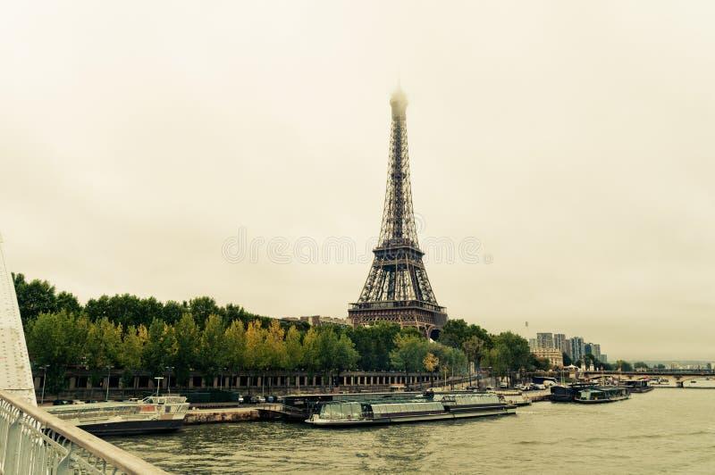 Vue de Tour Eiffel et du pont photos libres de droits