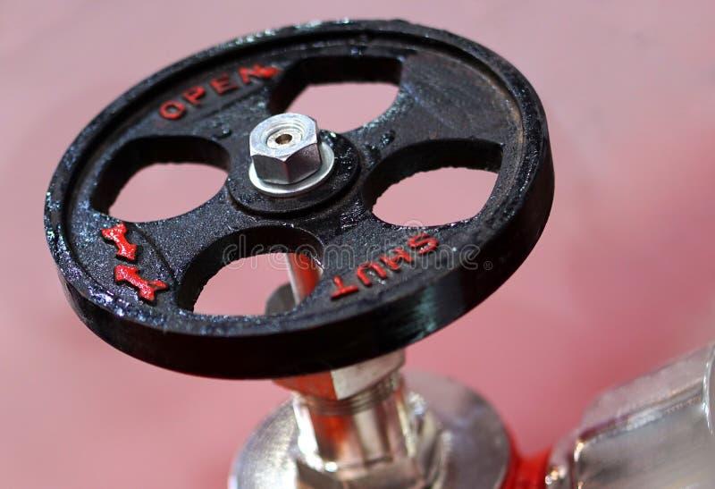 Vue de valve d'?quipement de lutte anti-incendie dans une industrie photos stock