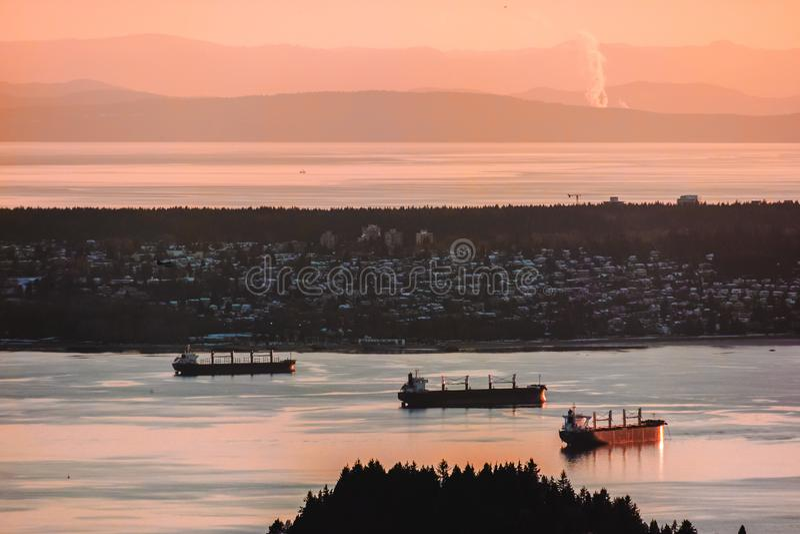 Vue de Vancouver de montagne de grouse à Vancouver du nord, AVANT JÉSUS CHRIST, le Canada photo libre de droits
