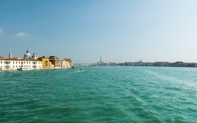 Vue de Venise, Italie depuis le canal de Judeca photos stock