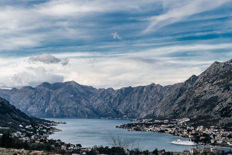 Vue de vieille ville de Kotor de montagne de Lovcen dans Monténégro photo stock