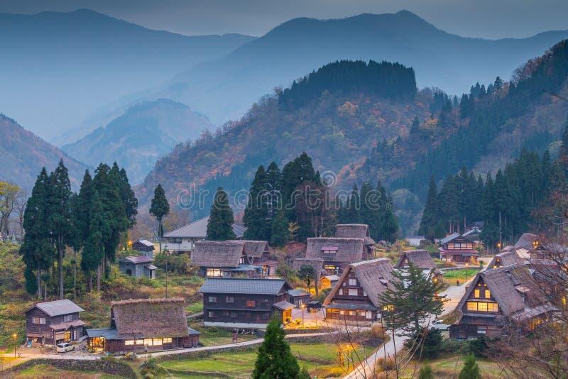 Vue de village d'Ainokura avec des maisons photos libres de droits