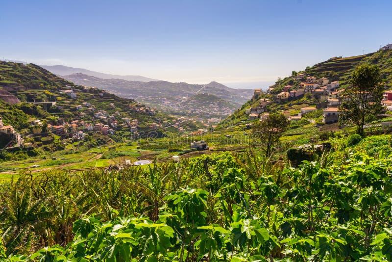 Vue de ville de Camara de Lobos près de Funchal image stock