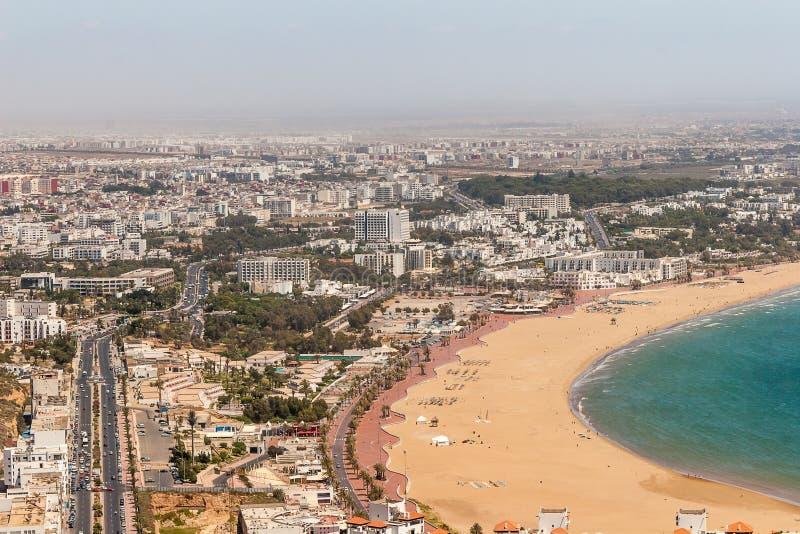 Vue de ville d 39 agadir maroc image stock image du reste for Piscine demontable maroc