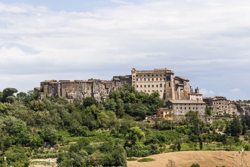 Vue de ville de Bomarzo en Italie photo libre de droits