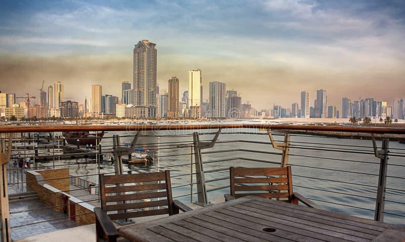 Vue de ville du Charjah de Corniche photographie stock
