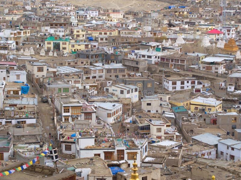 Vue de ville de Leh à partir de dessus de montagne, Ladahk, Cachemire, Inde photographie stock