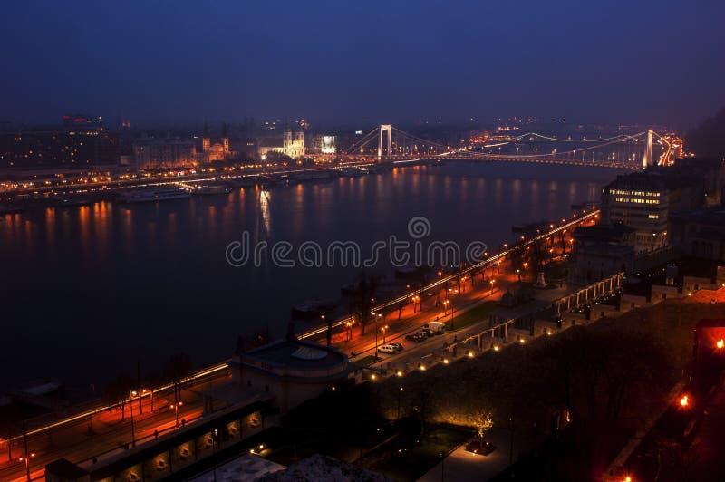 Vue de ville de nuit photographie stock libre de droits