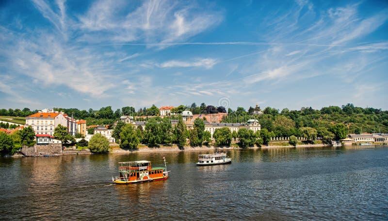 Vue de ville de rivière de Vltava à Prague, République Tchèque photo libre de droits