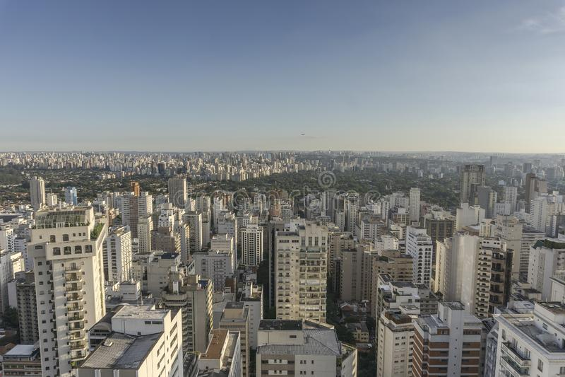 Vue de ville de Sao Paulo du haut du bâtiment images stock