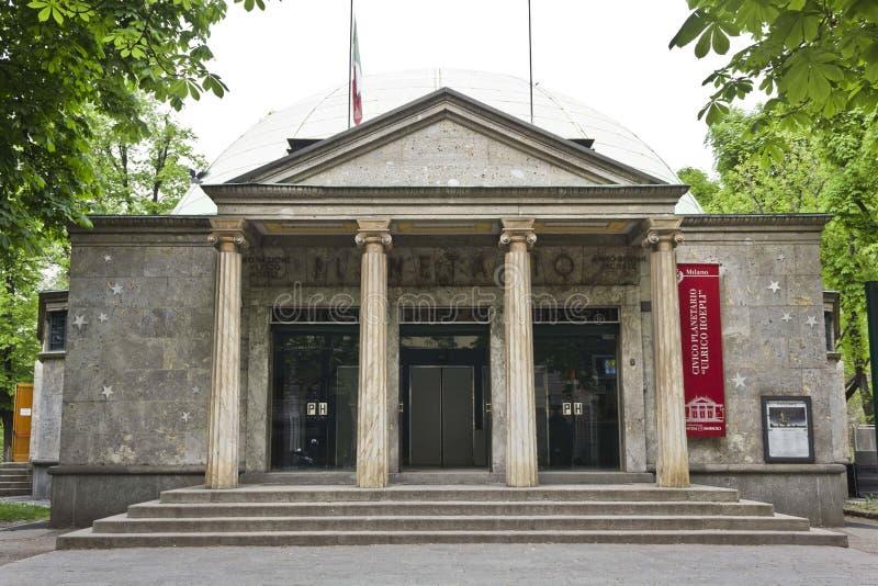 Vue de Xternal de la façade principale du planétarium de Milan photo libre de droits