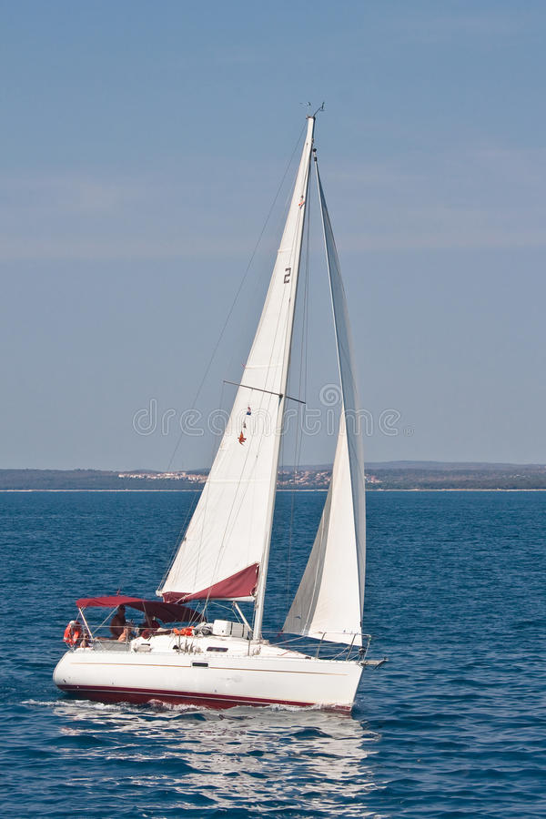 Yacht. Paysage marin. La Croatie image stock