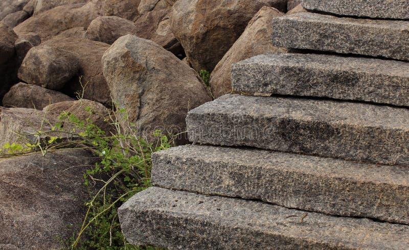 Vue des étapes amenant une colline photos stock