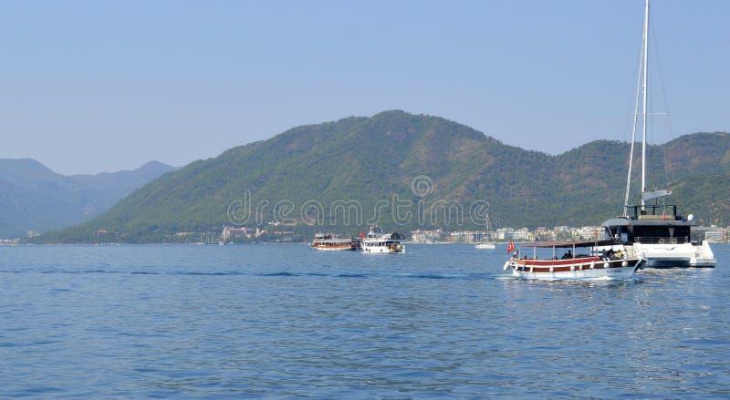 Vue des îles près de Marmaris Plages sablonneuses, paysages de montagne C'est la plus grande station de vacances de la côte égéen photographie stock