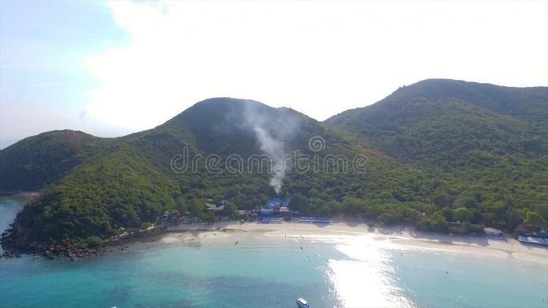 Vue des îles rocheuses en mer d'Andaman, Thaïlande Vue aérienne sur la plage tropicale, îles de Similan, mer d'Andaman photos stock