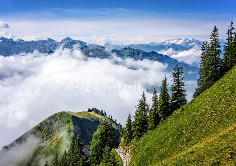 Vue des Alpes suisses images libres de droits