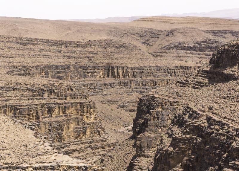 Vue des déserts et des montagnes photo stock