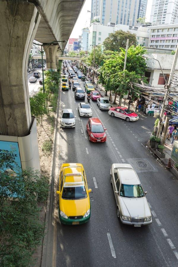 Vue des embouteillages sous BTS Asok image libre de droits
