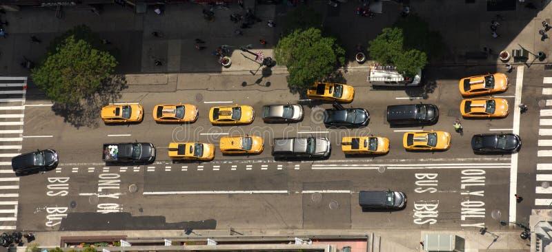 Vue des gratte-ciel sur les rues de New York City Vue supérieure photographie stock libre de droits