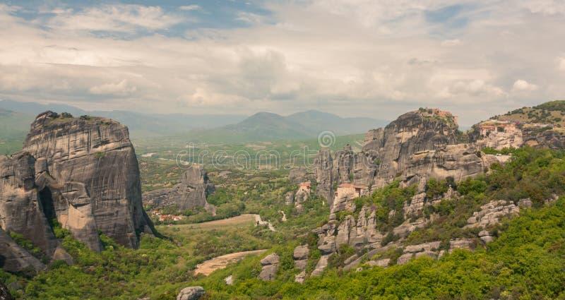 Vue des monastères de Meteora image libre de droits
