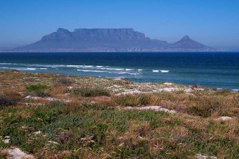 Vue des montagnes de dessus de la tête et du Tableau du lion à Cape Town photo libre de droits