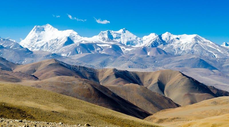 Vue des montagnes de l'Himalaya photo stock