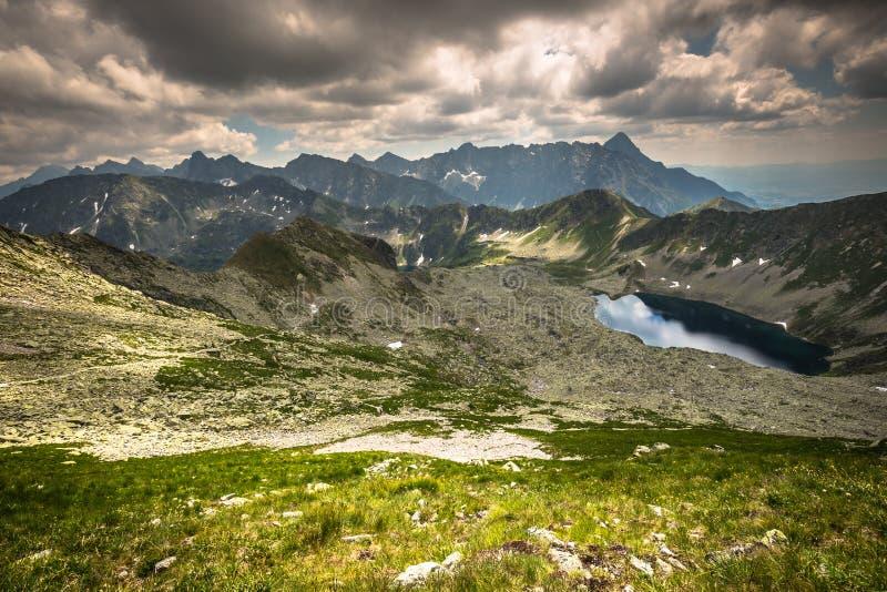 Vue des montagnes de Tatra de sentier de randonnée poland l'europe photo stock