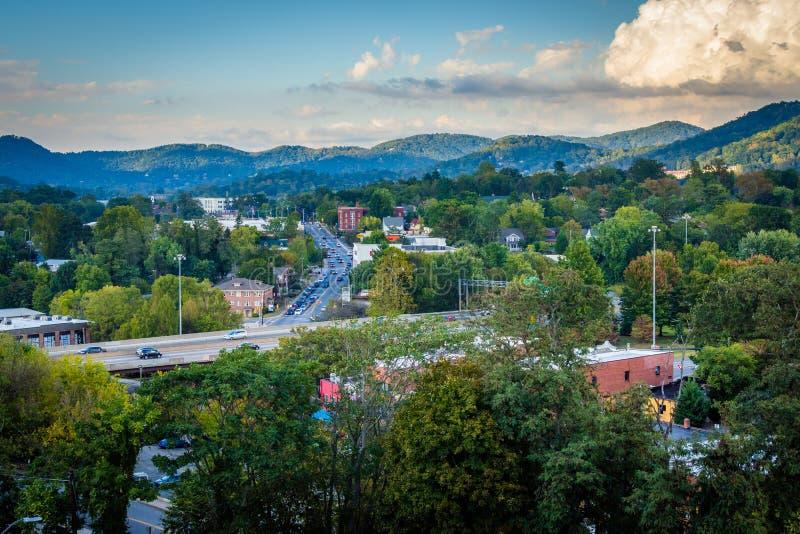 Vue des montagnes entourant Asheville, la Caroline du Nord images libres de droits