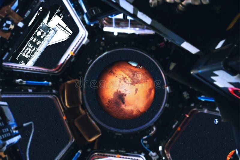 Vue des planètes de navette spatiale et de système solaire de station spatiale photographie stock