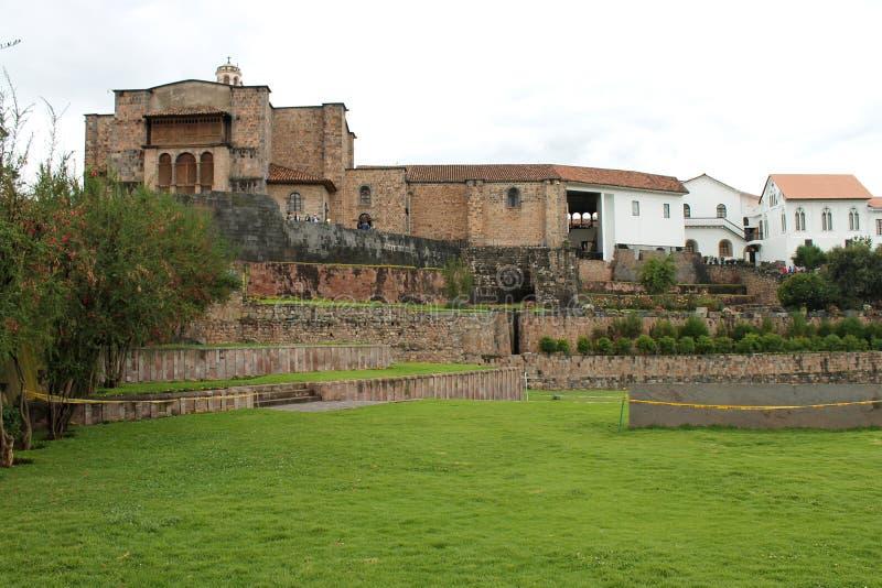 Vue des terrasses de Coricancha image libre de droits
