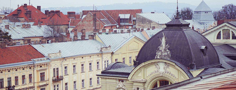 Vue des toits de la vieille ville européenne image libre de droits